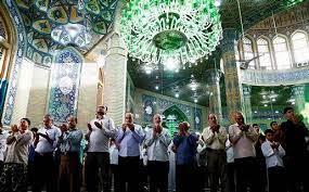کیا ماموم کے کھڑے ہونے کی جگہ امام کے کھڑے ہونے کی جگہ سے آگے ہوسکتا ہے؟