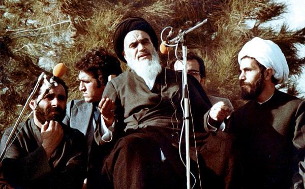 وطنی واپسی کے بعد ایران میں امام خمینی(رہ) کا پہلا اور تاریخی خطاب