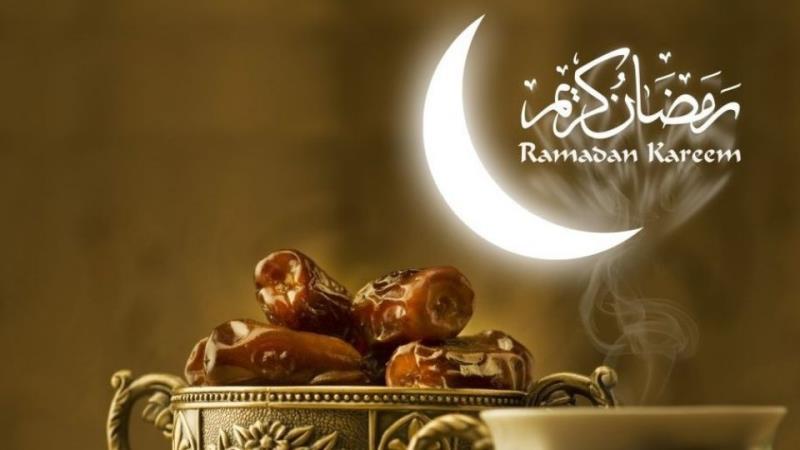 کیا ایک ماہ رمضان یا متعدد ماہ رمضان کے چند روزوں  کی قضاء کاکفارہ ایک ہی فقیر کو دے سکتا ہے؟
