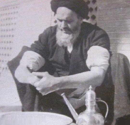 امام خمینی کا عملی درس
