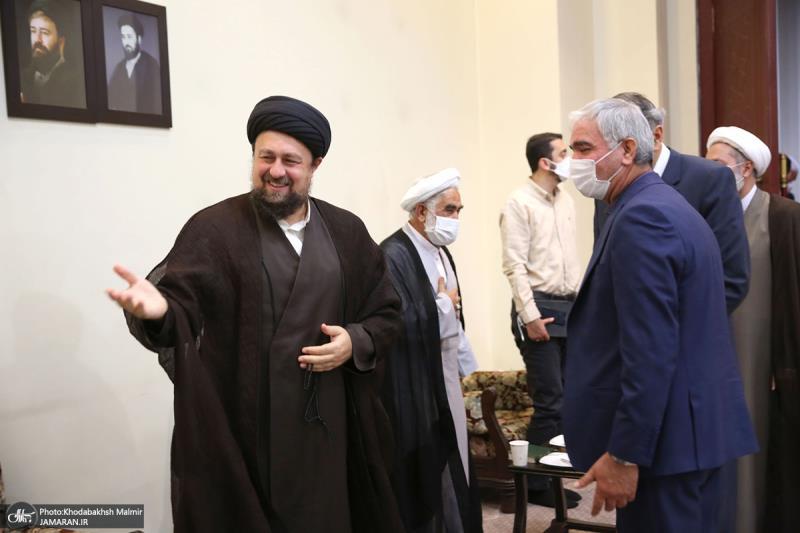 امام خمینی (رح) کی برسی کے موقع پر؛ یونیورسٹی کے ماہرین تعلیم کی حرم امام خمینی (رح) میں حاضری اور ان کی تمناؤں سے تجدید عہد/ 2021ء