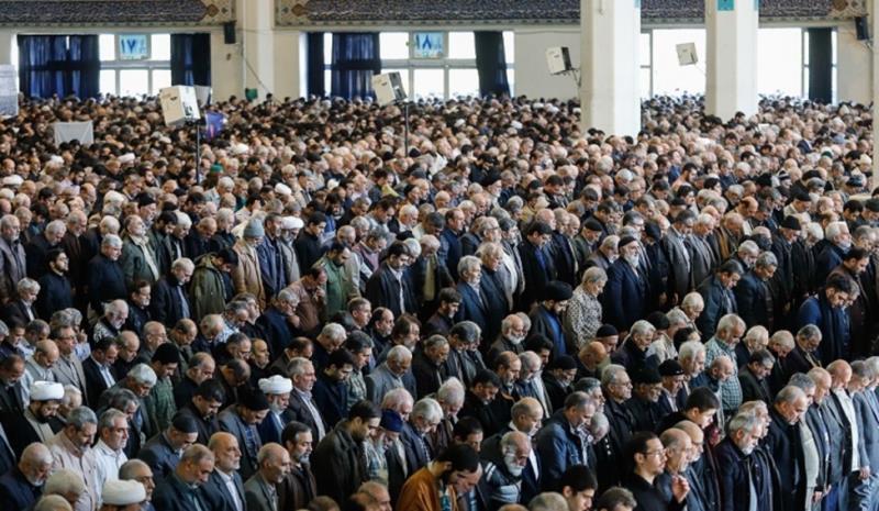 نماز جمعہ میں، امام کو خطبے میں کیا کہنا چاہیئے؟