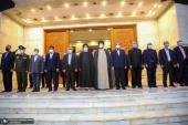 تصویری رپورٹ/ایرانی صدر سید ابراہیم رئیسی نے پہلی مرتبہ اپنی کابینہ کے ہمراہ امام خمینی کے مزار پر حاضری دی