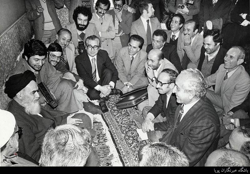 نوفل لوشاٹو میں امام خمینی رحمہ اللہ کے ساتھ تین امریکی سیاسی شخصیات کی ملاقات اور گفتگو